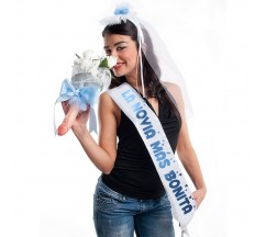"""PARTY BAND, VEIL AND BOUQUET """"FOR THE CUTEST BRIDE"""" IN SPANISH"""
